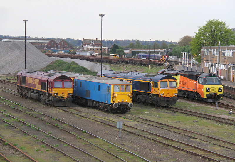 73109 Eastleigh 21/04/14 (l-r 66117, 73207, 73109, 66745 and 70802)