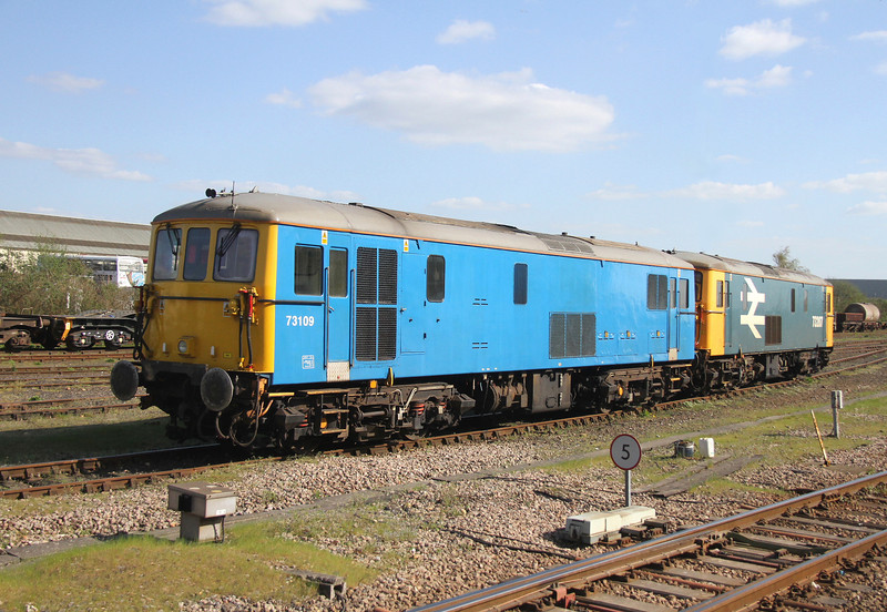 73109 Eastleigh 18/04/14 with 73207