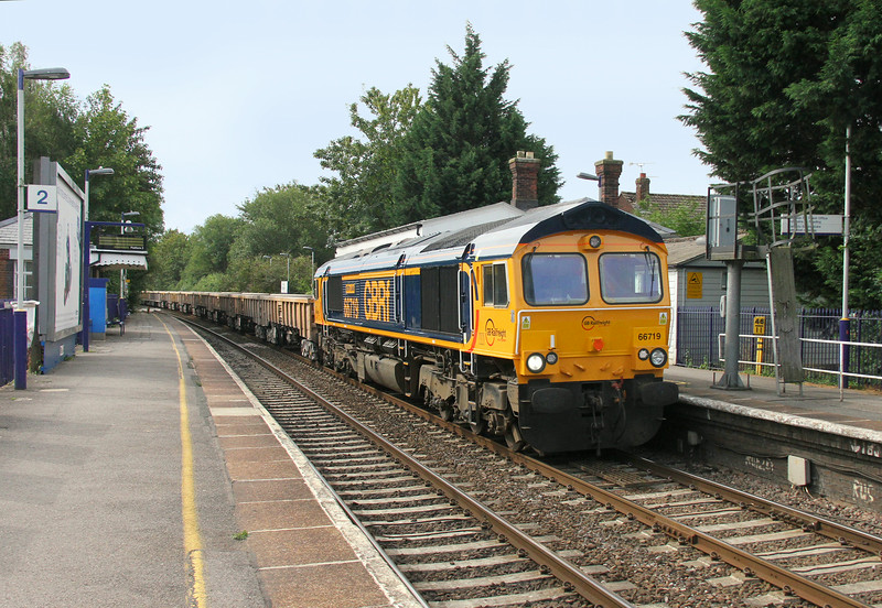 66719 Bramley 28/07/14 6M26 Eastleigh to Stud Farm