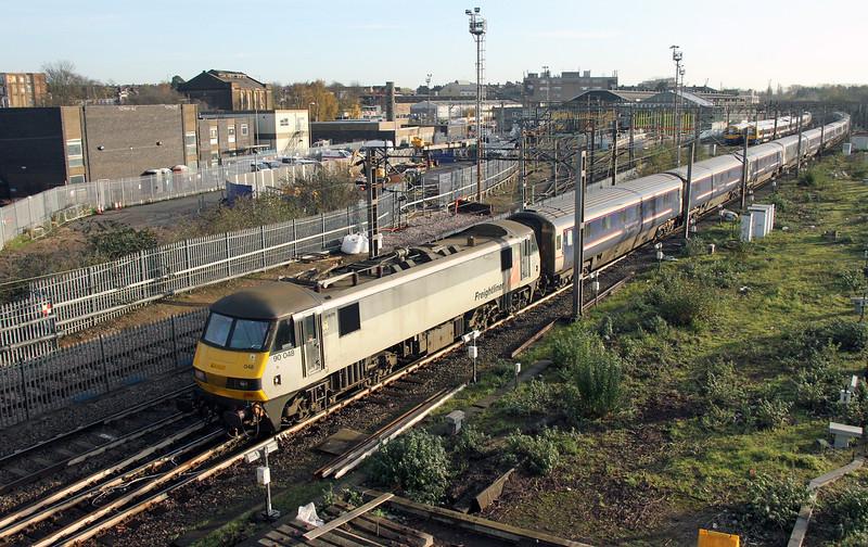 90048 Willesden 28/11/15 5M16 London Euston to Wembley